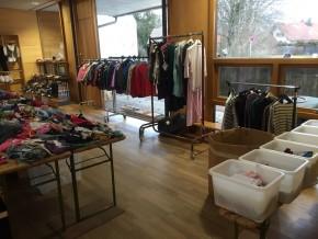Kleidermarkt im Kinderhaus Riederau